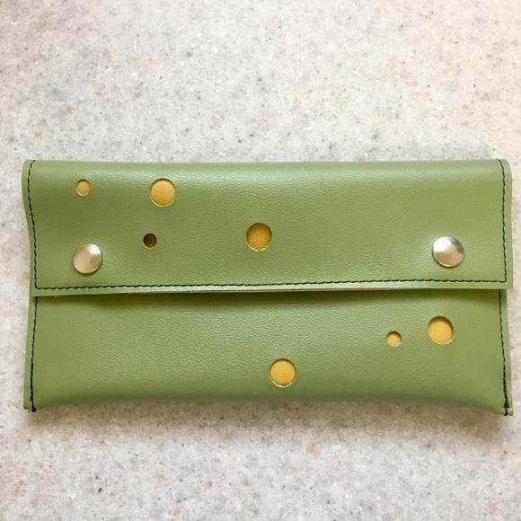Holly Aiken Handbags - Pretty and unique Holly Aiken clutch!